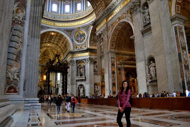 The baldacchino in the background. Looks tiny, is not actually tiny